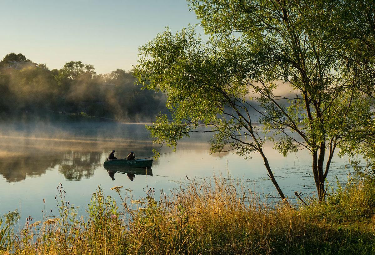 Рыбалка на озере и реки