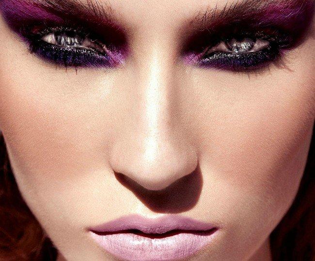 Основы макияжа с фиолетовыми тенями.