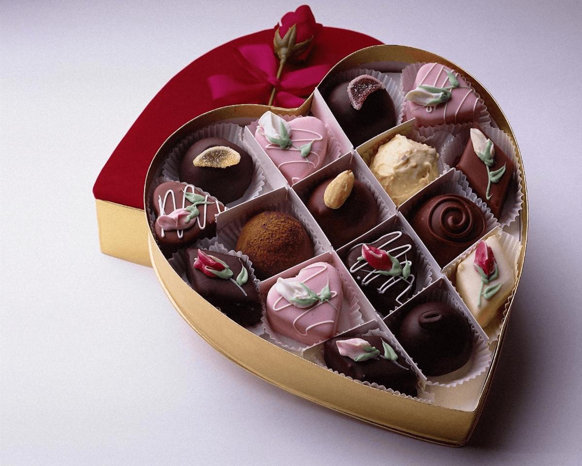 Котики открытки, открытки конфеты в красивых коробках