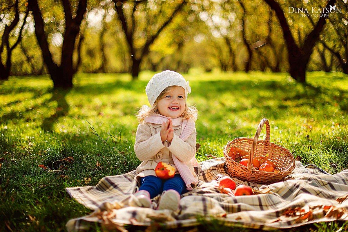 Мамочку, картинки дети на природе осенью