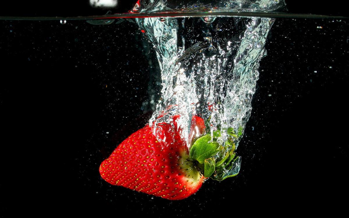 клубника в воде картинки в хорошем качестве мой взгляд, картина