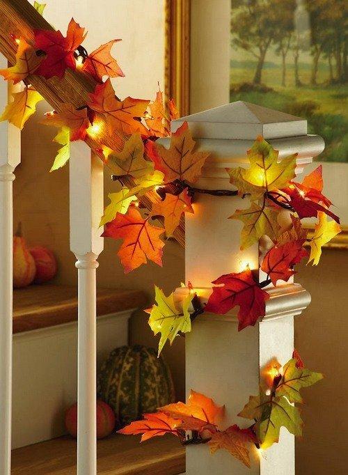 Гирлянда из листьев для украшения лестницы в доме.