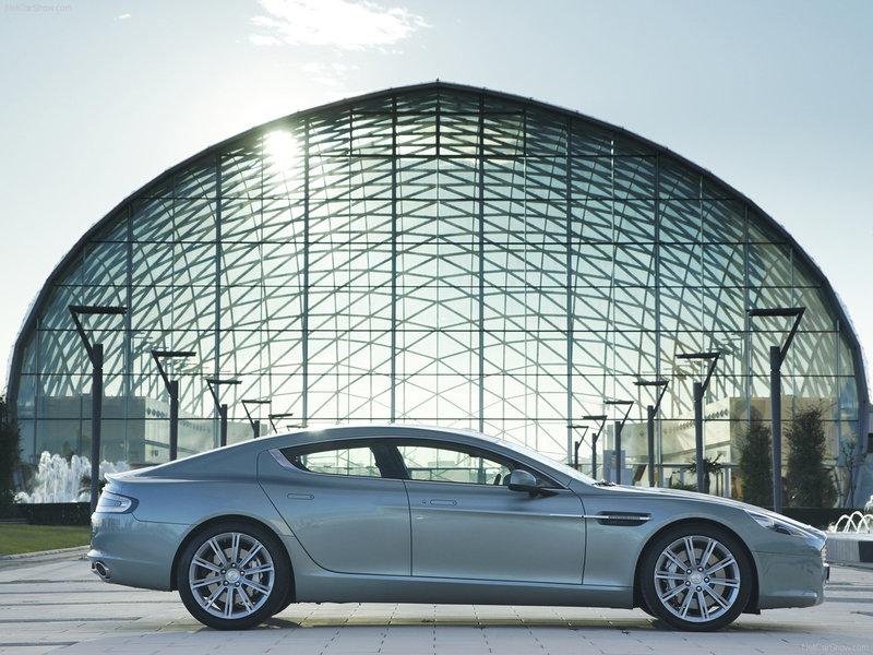 Aston Martin Rapide - фото, характеристика, описание, цены на Aston Martin Rapide
