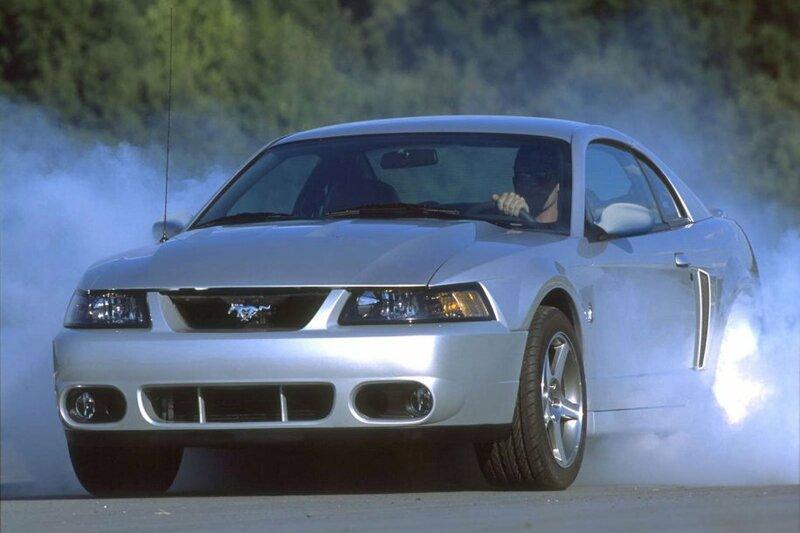 Ford Mustang SVT Cobra фотоальбом - автомобильный журнал Simplycars.ru