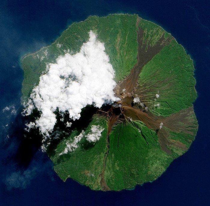 извержения вулкана из космоса