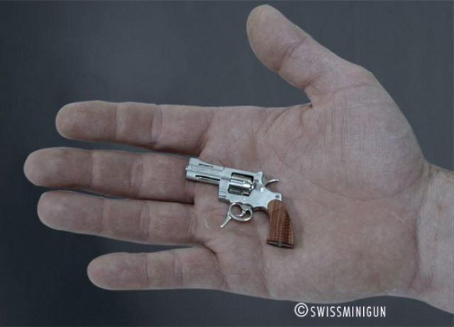 Миниатюрный револьвер