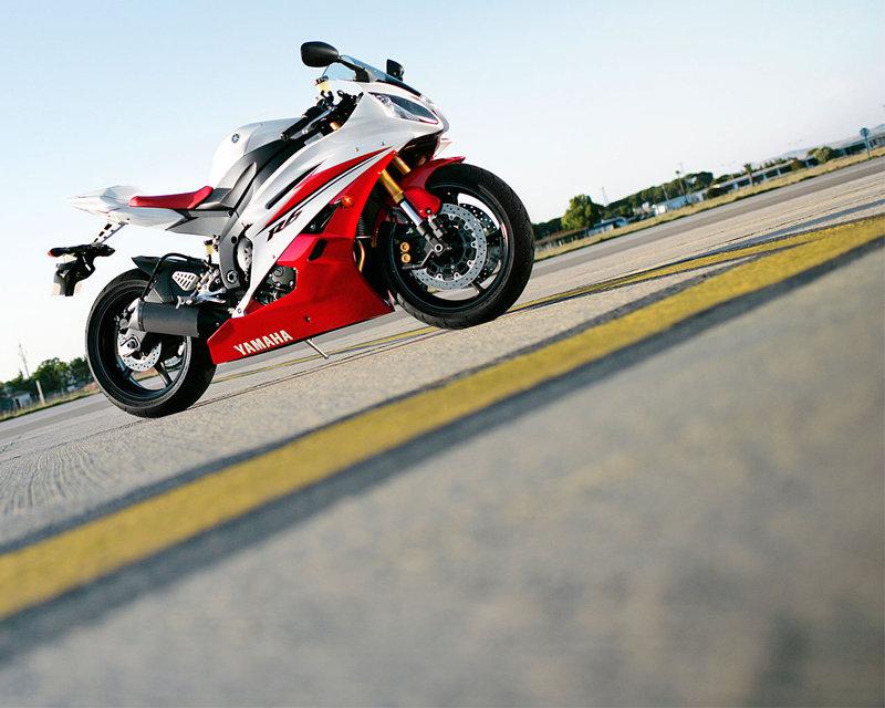 Мотоцикл Yamaha фото обои. Обои мотоциклы