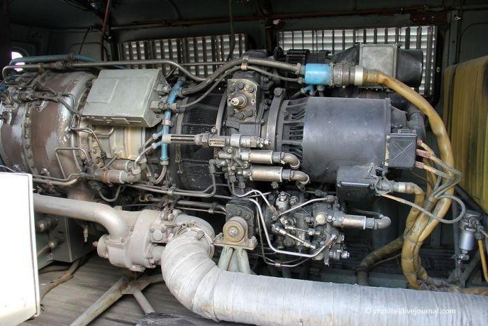 Необычный УАЗик с двигателем от самолета (12 фото )