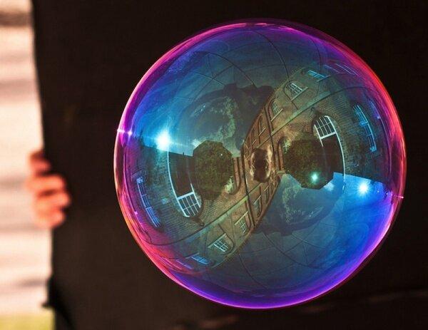 Отражения в мыльных пузырях