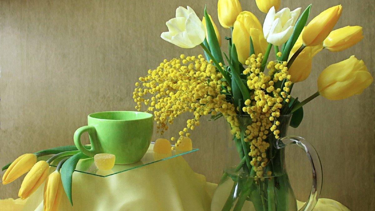 Бумаги схемы, открытки с 8 марта с мимозой и тюльпанами подснежниками