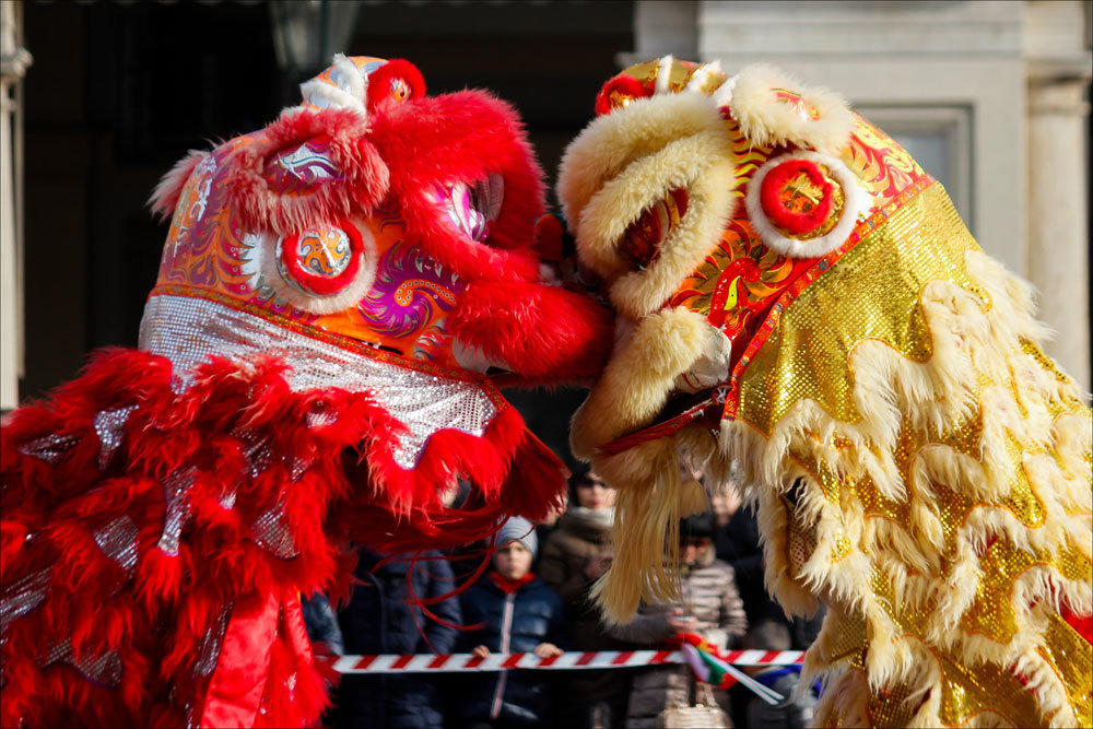 chinese new year event essay The reason for choosing the chinese new year event is that it is a big event in my home country it represents the history and culture from thousand year ago in china in this report, it covers certain dimensions: the background, rise in the event industry, event as a role in the society, positive and negative aspects and the conclusion.