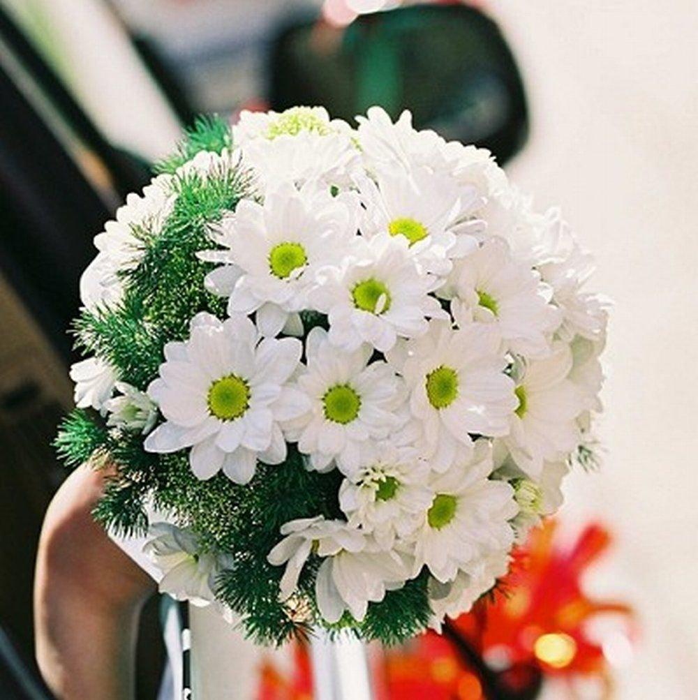 Минск, букетик с хризантемами для невесты