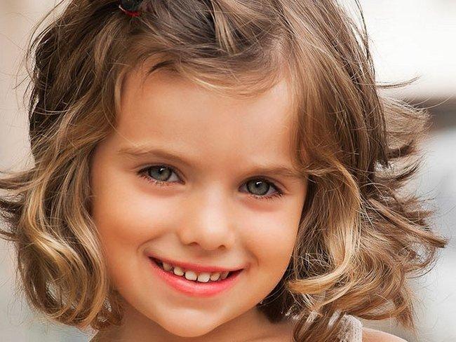 Детские стрижки для девочек, фото (до 3 лет, 5-10, 11 и старше) на короткие и длинные волосы, мода 2015