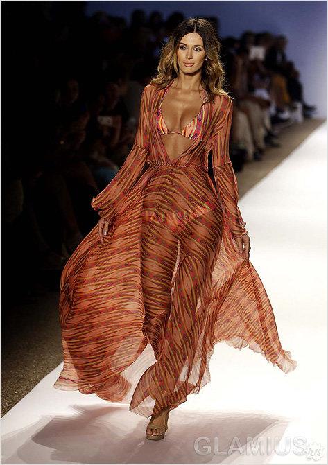 Длинное платье для пляжа