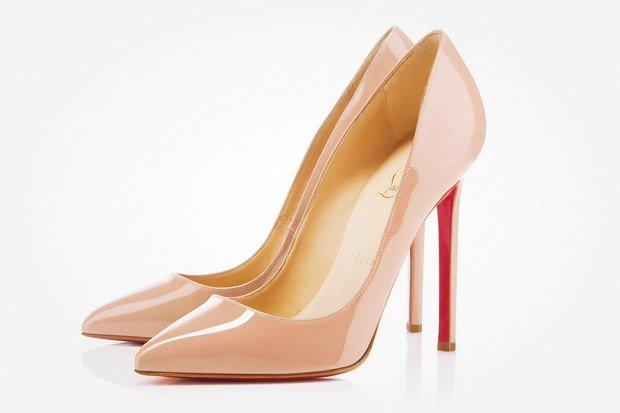 Классические бежевые туфли-лодочки от Christian Louboutin
