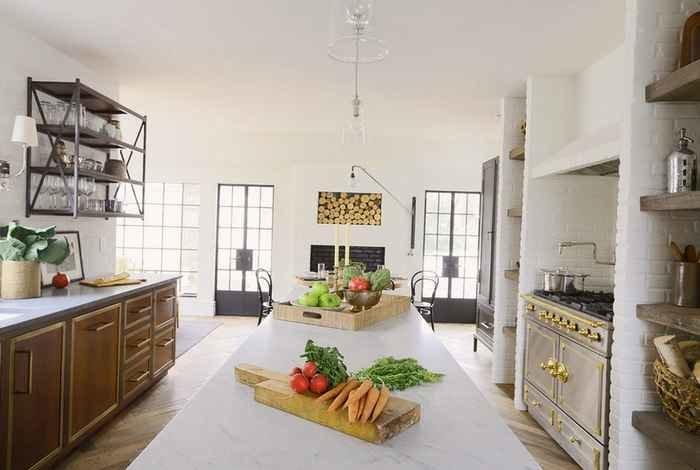 Интерьер кухни с аркой, кофейный интерьер спальни