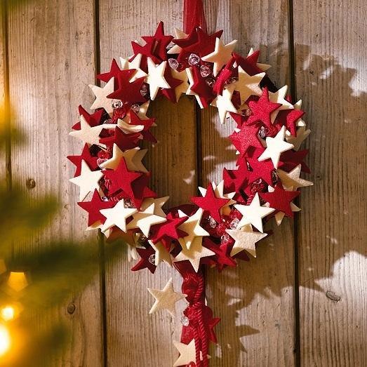 Как сделать рождественский венок из разных материалов?