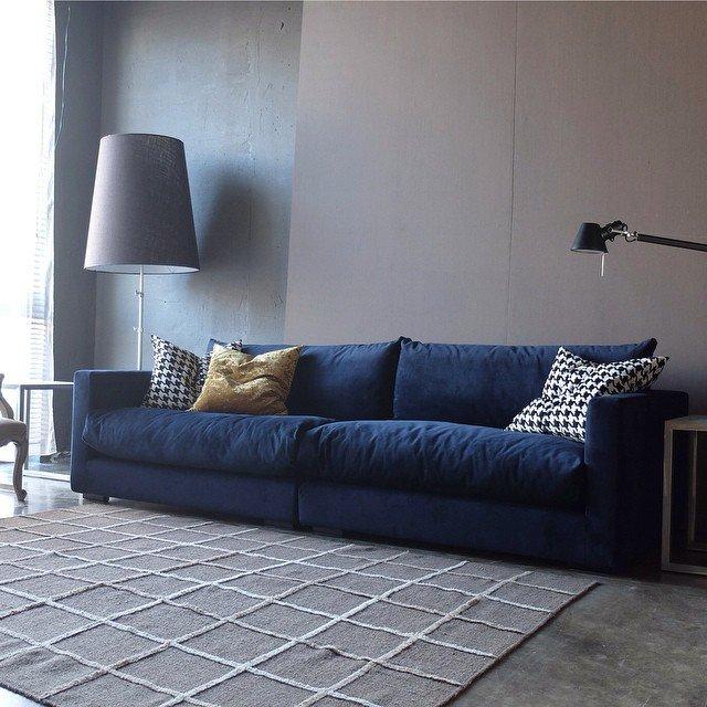 Мягкая мебель для гостиной: 15 фото
