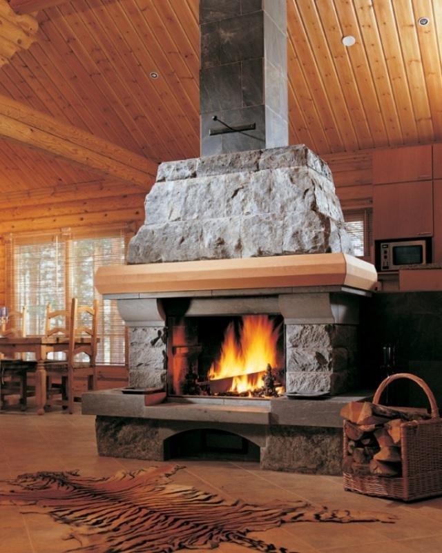 Установка камина в деревянном…..