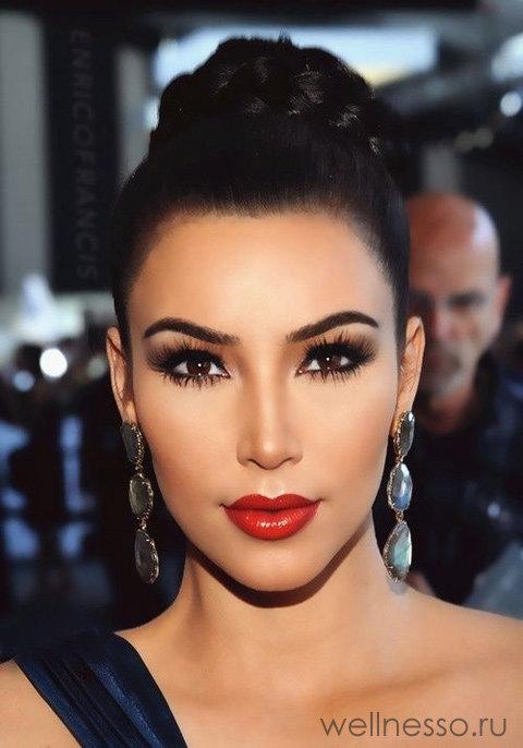 Макияж для карих глаз с красными губами фото