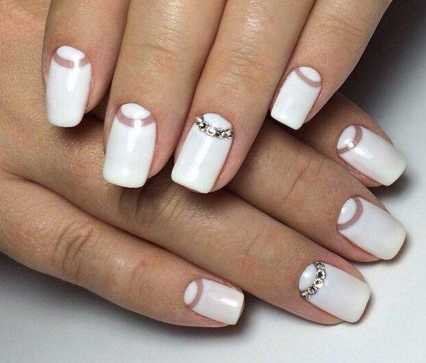 Нежный дизайн ногтей фото френч