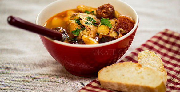 блюда испанской кухни, испанский суп, фасолевый суп, суп из фасоли, рецепт супа с фото