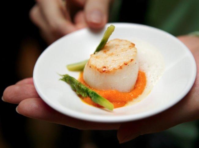Блюдо молекулярной кухни: морские гребешки со спаржей и пеной - Портал Домашний