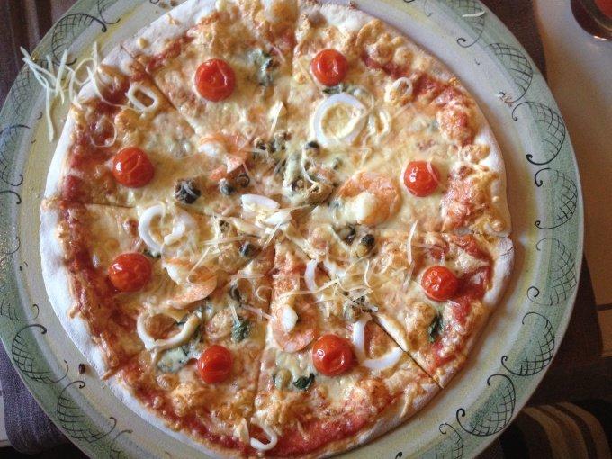 Instagram: Настоящая итальянская пицца с морепродуктами в ресторане «Gusto giusto»