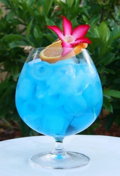 Состав коктейля Голубые Гавайи