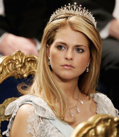 Для принцесс и королев – тиара и диадема