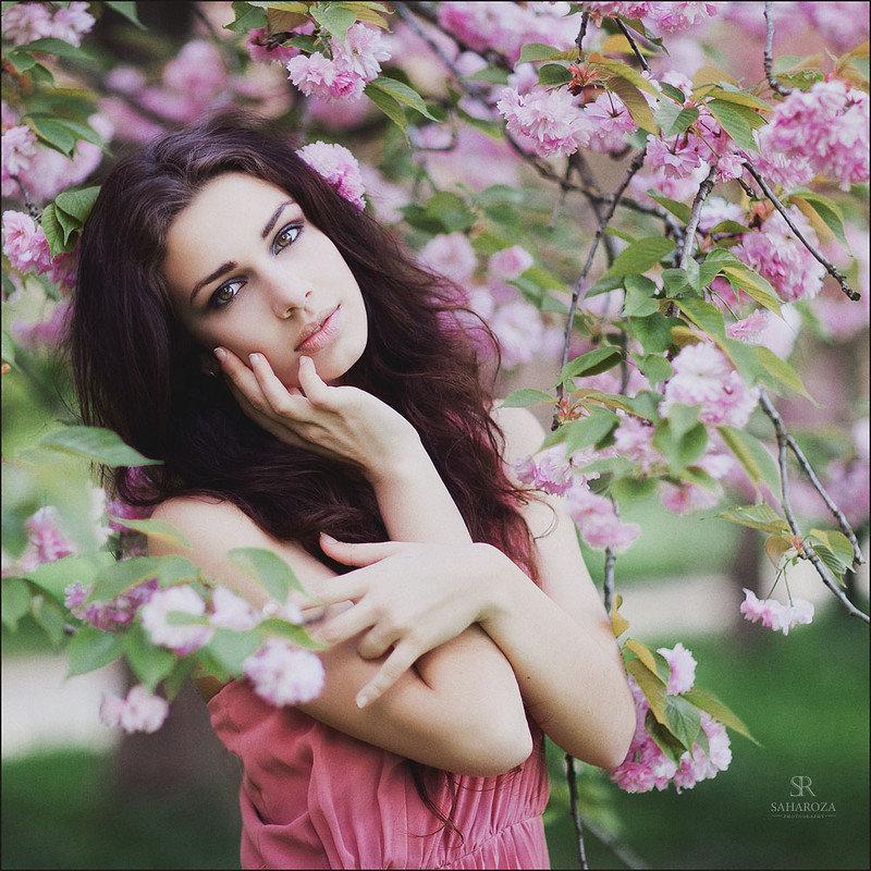 любом случае фото шатенок в цветущих яблонях вам нужен