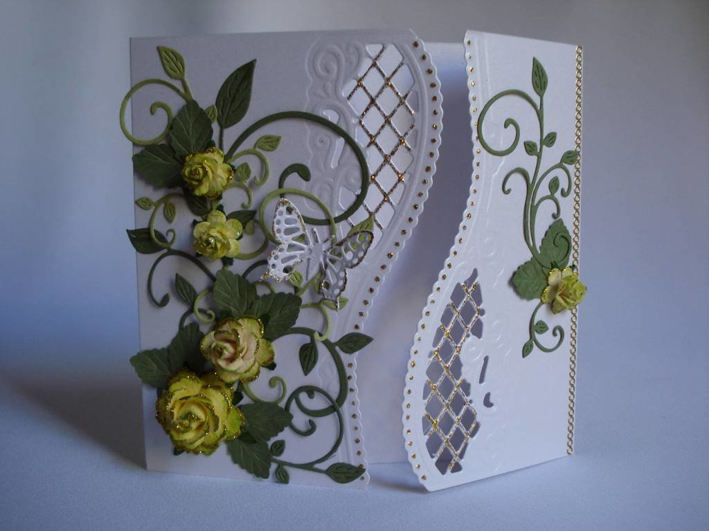 Своими, поздравительная открытка к свадьбе квиллинг