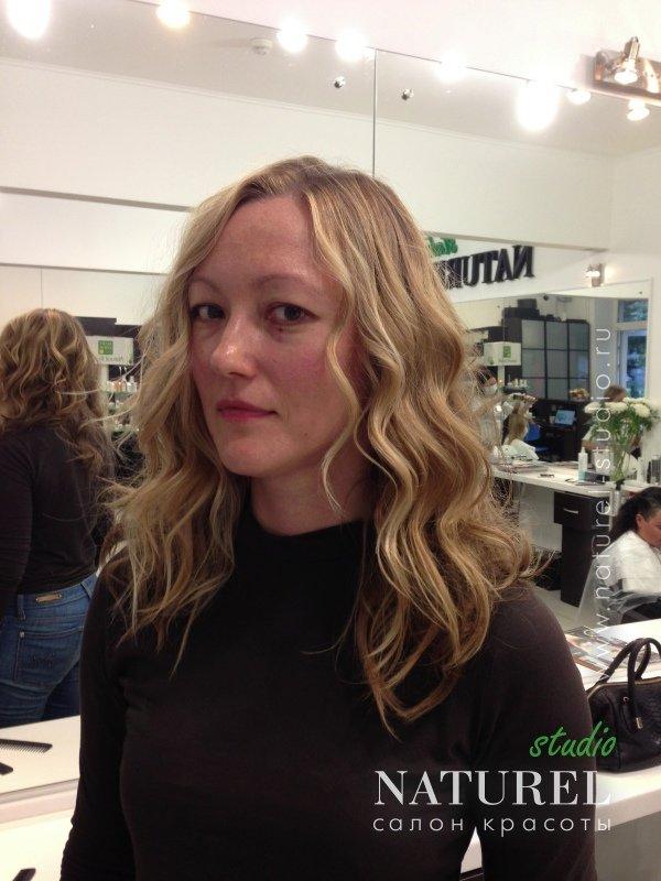 Биозавивка волос выгодно отличается от своих химических аналогов и позволяет не только сохранить, но и преумножить красоту и здоровье ваших волос.