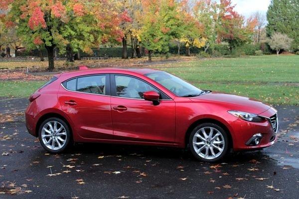 Скромный, но притягательный Mazda 3