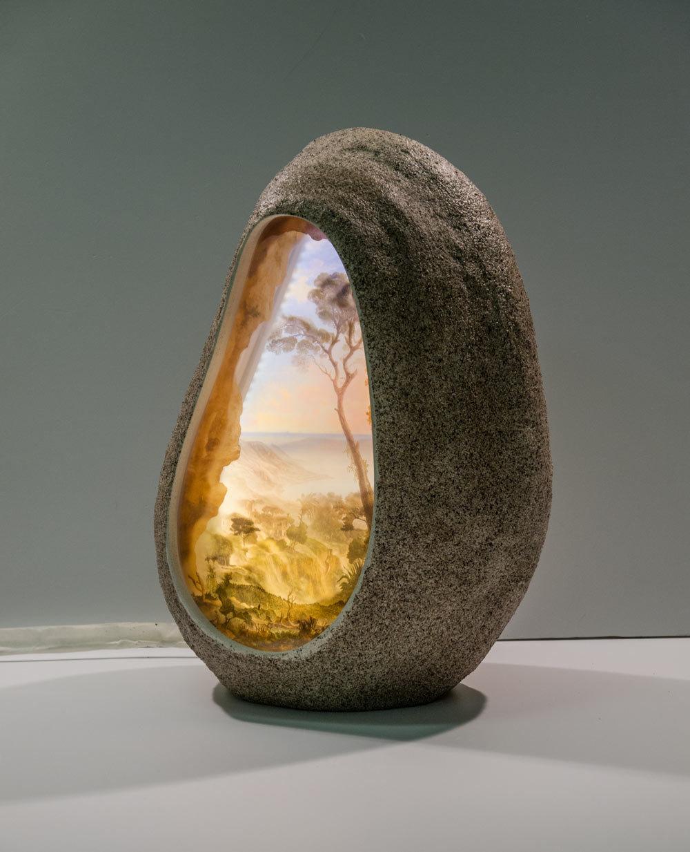 руками светильник своими из камня