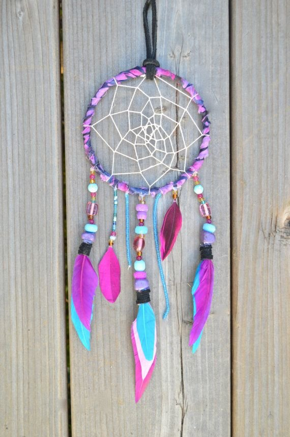 What raw materials do you need to make a dream catcher