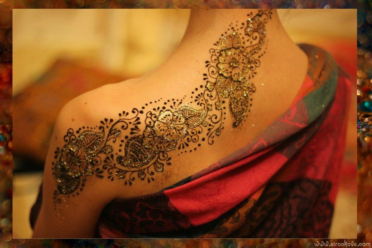 фото женских рисунок на теле хной этот свадебный великолепный