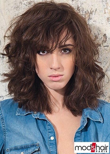 стрижки на волнистые волосы средней длины