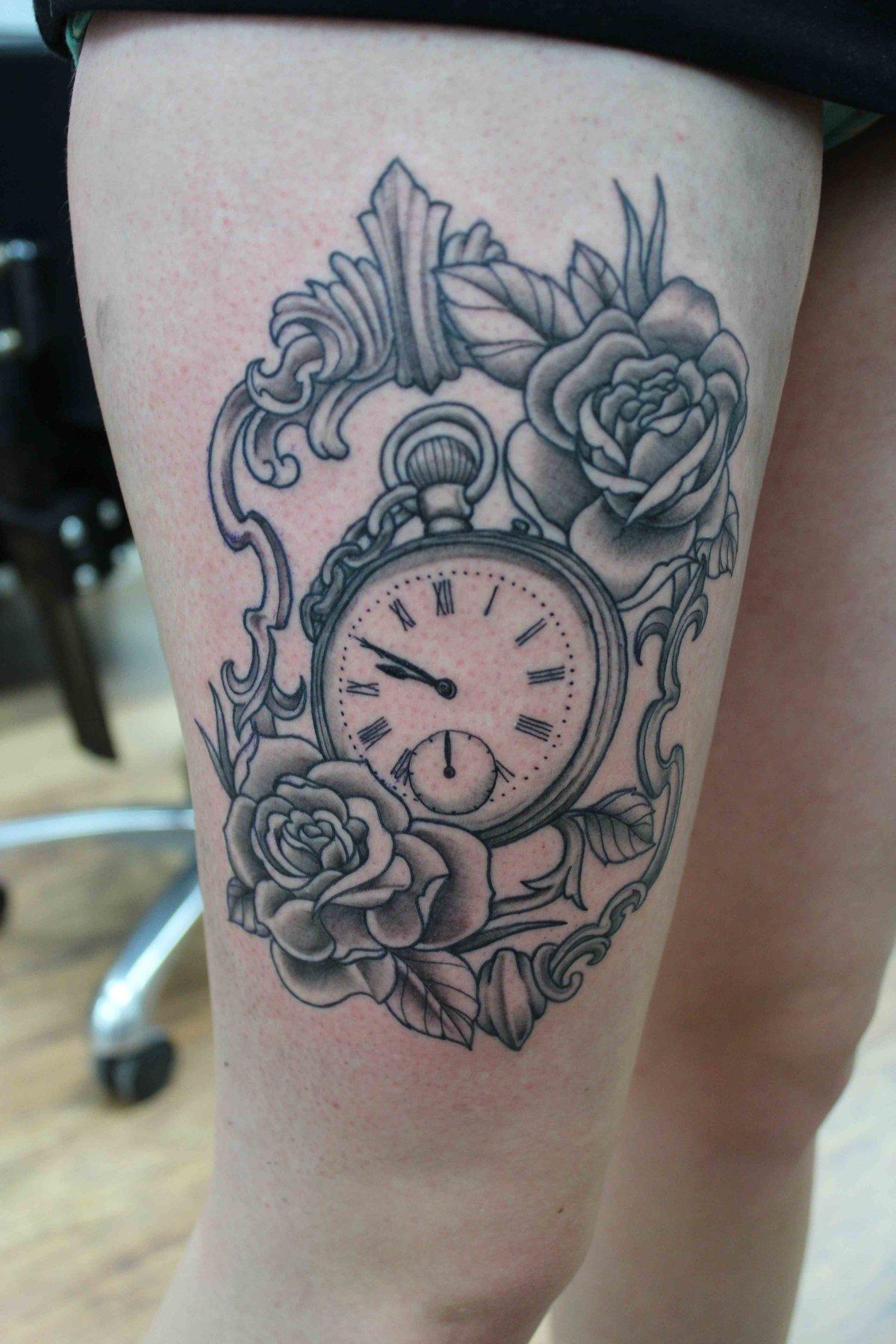 Значение татуировки часы для девушек и парней (фото и эскизы).