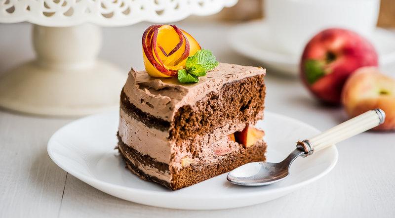 Бискитный торт с персиками фото