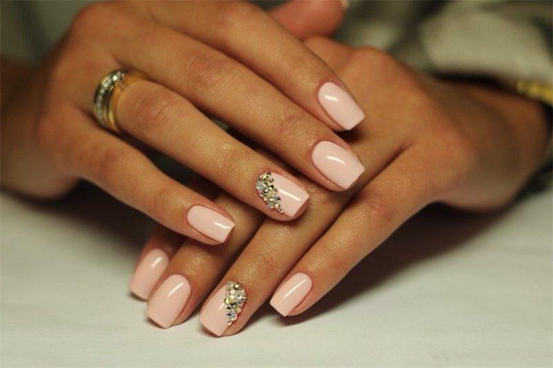 фото дизайн ногтей светлые тона