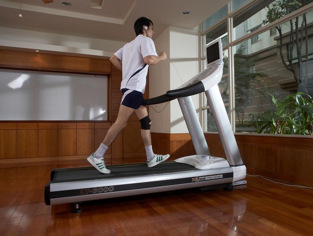 бег по квартире для похудения