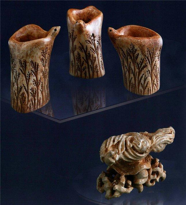 Универсальные работы, материал - кость, фигурка из кости, рисунки на кости
