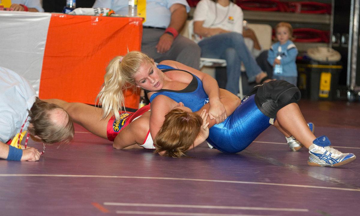 nude-fat-black-women-wrestling-naked