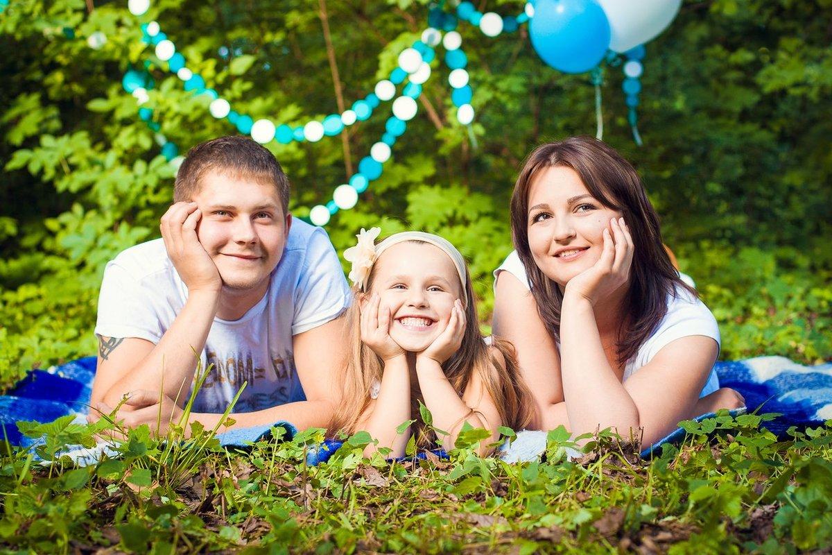 также можно идеи для фотосессии с двумя детьми летом будет пусть