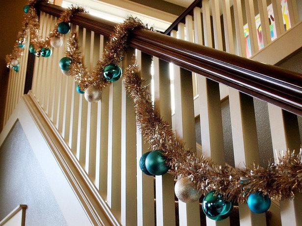 Оформление лестницы на Новый Год или как украсить лестницу