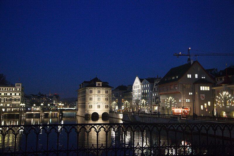 Волшебное Рождество в Швейцарии: Цюрих. Огни на набережной