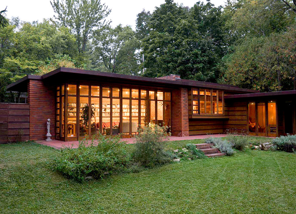a description of frank lloyd wright who pioneered modern design through the use of organic architect A breathtaking example of frank lloyd wright's organic  of architect frank lloyd wright,  on wright to design a self-sufficient modern.