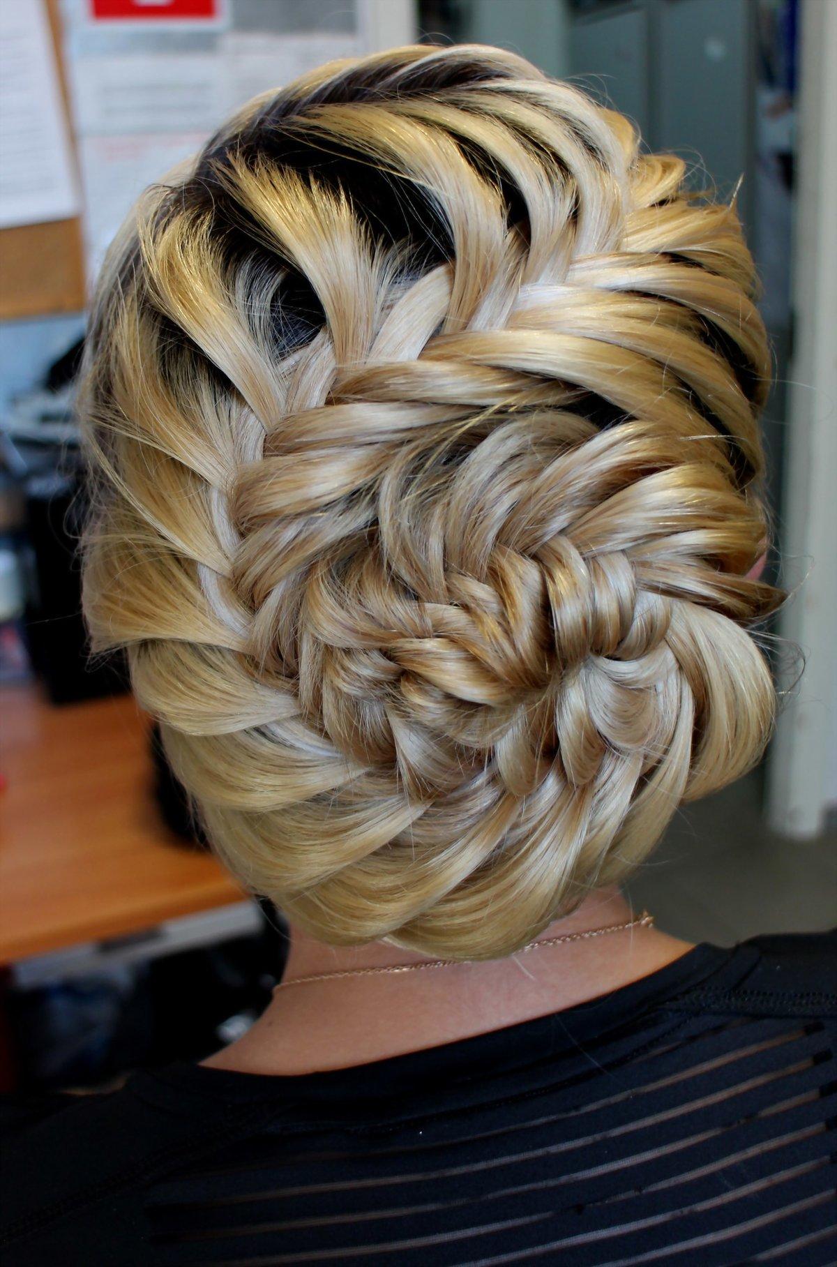 Плетения на коротких волосах в картинках