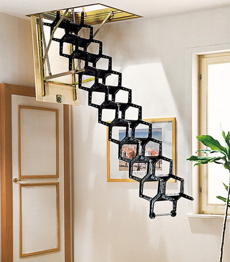 Убирающаяся раскладная лестница на чердак